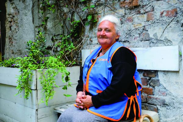 セルビア『リツェウリツェ』販売者 ヨワンカ・オブラドヴィツェ